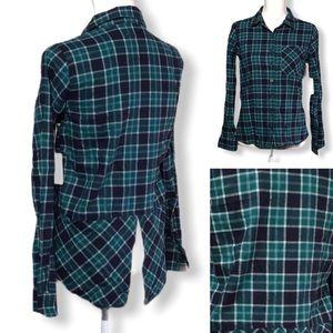 Girl Krazy NWT - Sz S - flannel shirt w/ back slit